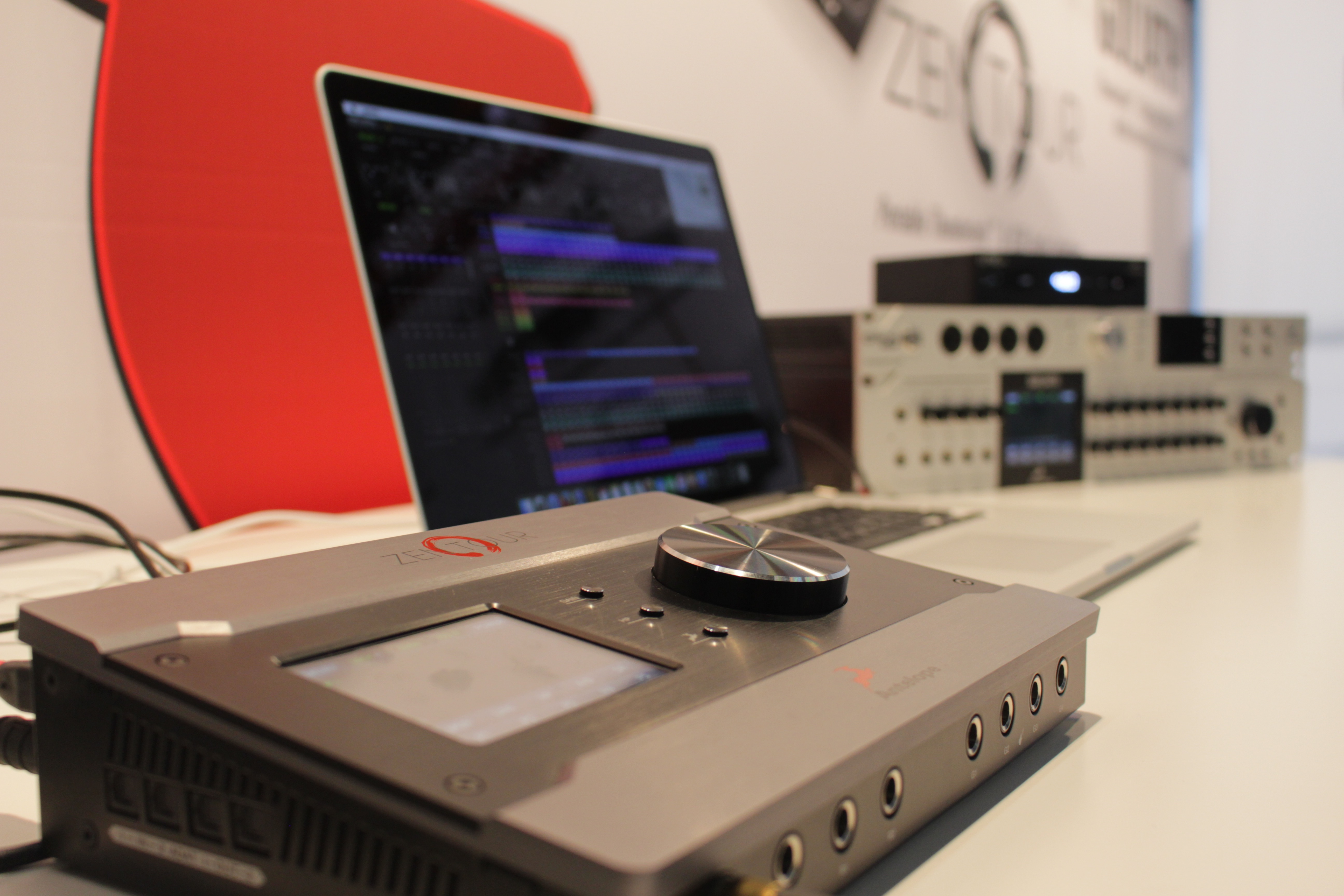 Portable USB&Thunderbolt Interface