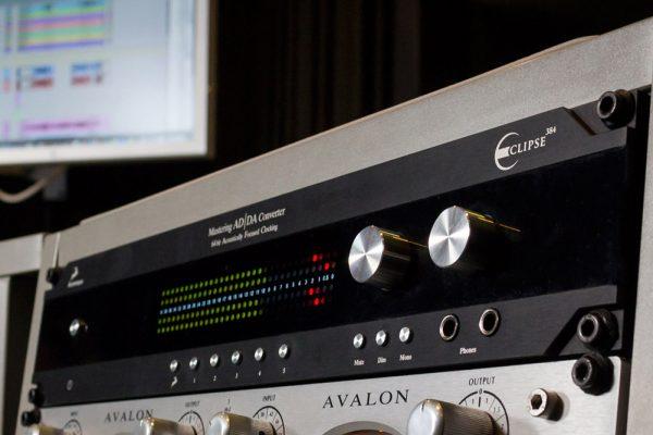 Eclipse 384 - Mastering grade AD/DA Converter, Clock & Monitoring Controller