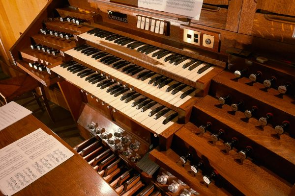 03 01 2019 Saint Martin organ keyboards